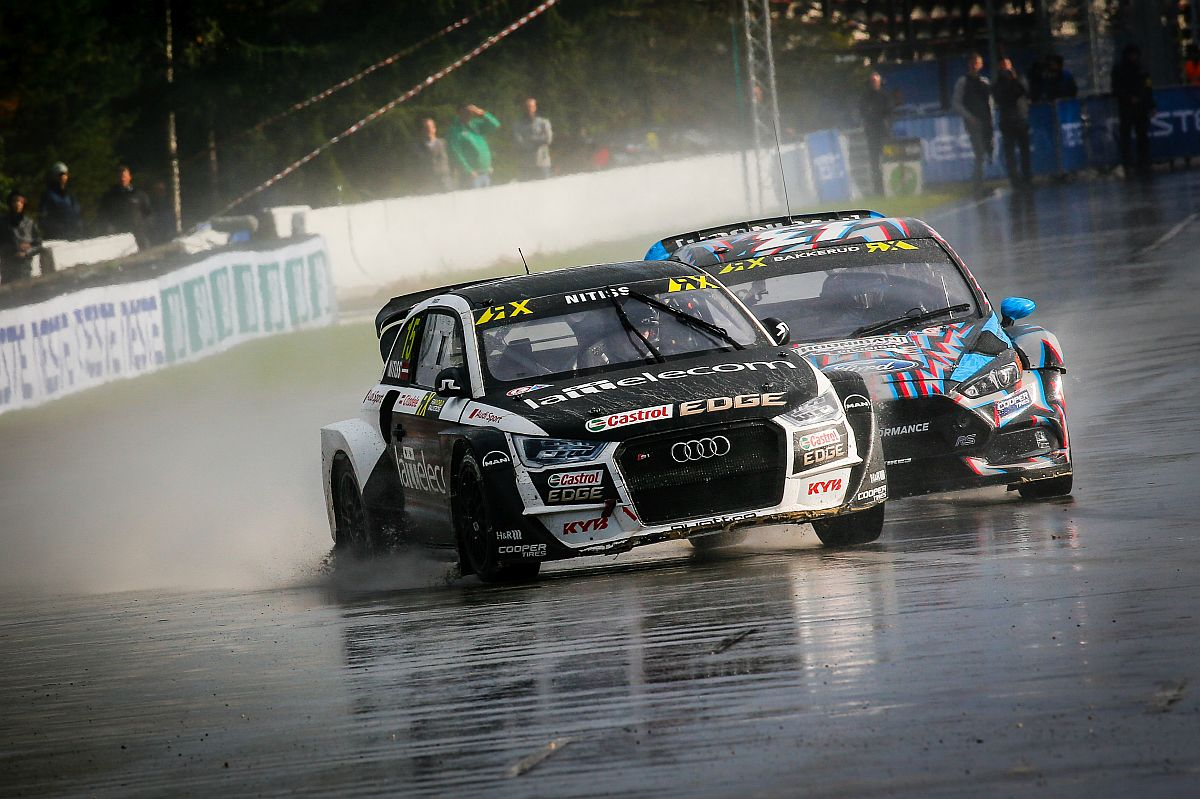 Reinis Nittis im Duell mit Andreas Bakkerud. Bild: FIAWorldRallycross.com