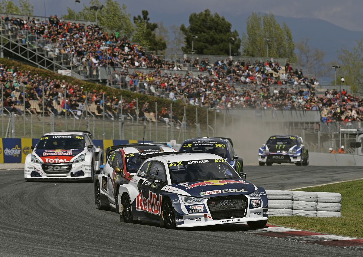 Rallycross-WM: Volle Tribünen, satte Action. Bild: Audi