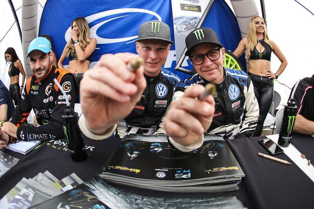 Wollen in Norwegen nicht nur Autogramme schreiben: Johan Kristoffersson und Petter Solberg. Bild: PSRX Volkswagen Schweden